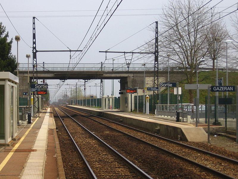 Alt_Chauffeur-prive-vtc-paris_Gare_de_Gazeran.png
